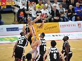 https://www.basketmarche.it/immagini_articoli/18-10-2019/pesaro-ferma-infortunio-leonardo-lungo-alcune-settimane-120.jpg