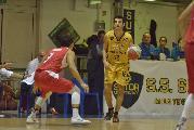 https://www.basketmarche.it/immagini_articoli/18-10-2019/sutor-montegranaro-michele-caverni-voltiamo-pagina-pensiamo-derby-senigallia-120.jpg