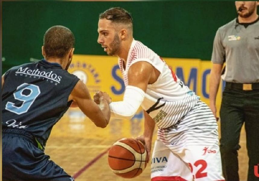 https://www.basketmarche.it/immagini_articoli/18-10-2019/unibasket-lanciano-matteo-mordini-vincere-valdiceppo-servir-ottima-prestazione-600.jpg