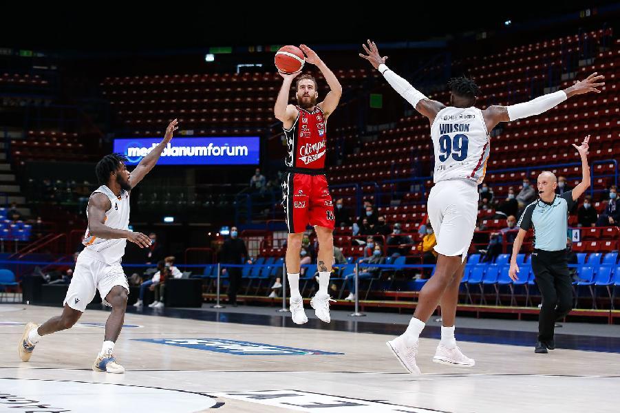 https://www.basketmarche.it/immagini_articoli/18-10-2020/olimpia-milano-supera-senza-problemi-virtus-roma-600.jpg