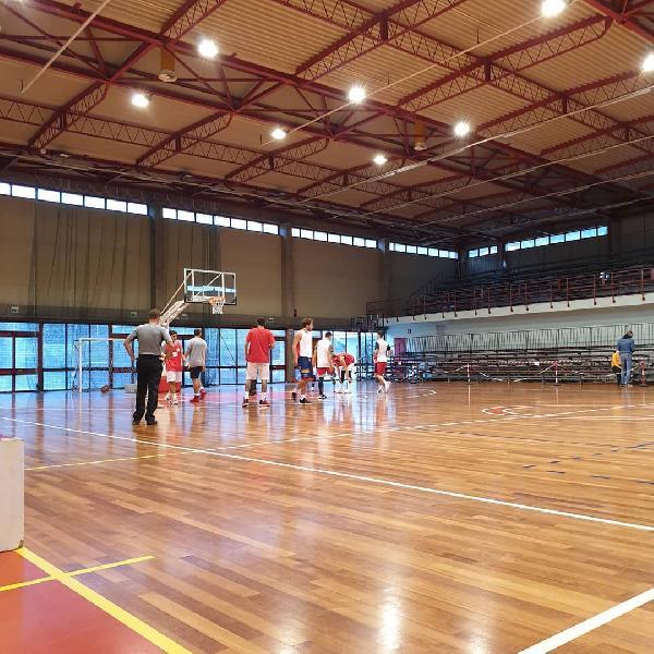 https://www.basketmarche.it/immagini_articoli/18-10-2020/robur-osimo-aggiudica-combattuta-amichevole-basket-tolentino-600.jpg