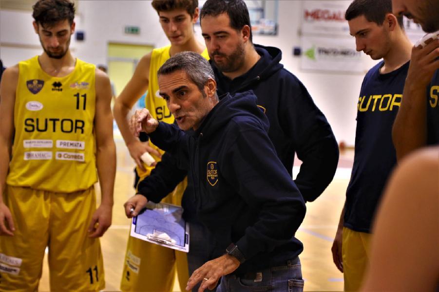 https://www.basketmarche.it/immagini_articoli/18-10-2021/sutor-montegranaro-coach-baldiraghi-cera-squadra-doveva-vincere-quella-sutor-600.jpg