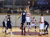 https://www.basketmarche.it/immagini_articoli/18-11-2018/anticipi-settima-giornata-urbania-assisi-allungano-colpi-esterni-todi-marino-120.jpg