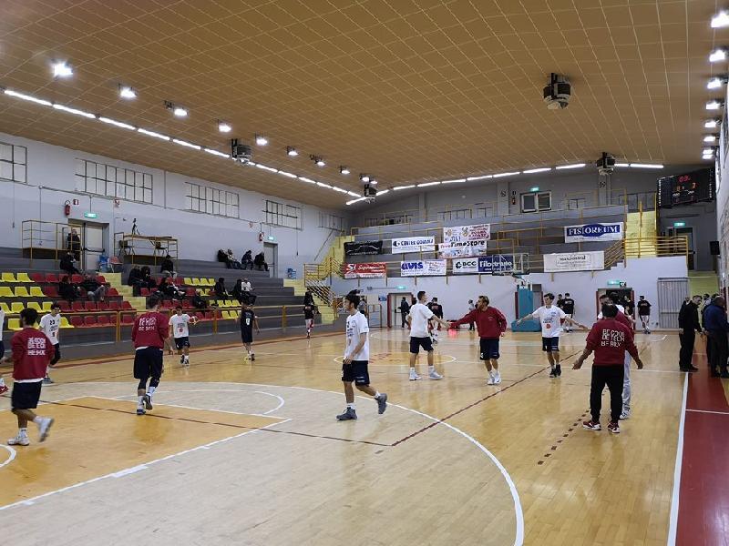 https://www.basketmarche.it/immagini_articoli/18-11-2018/basket-giovane-pesaro-conquista-osimo-prima-vittoria-esterna-stagionale-600.jpg