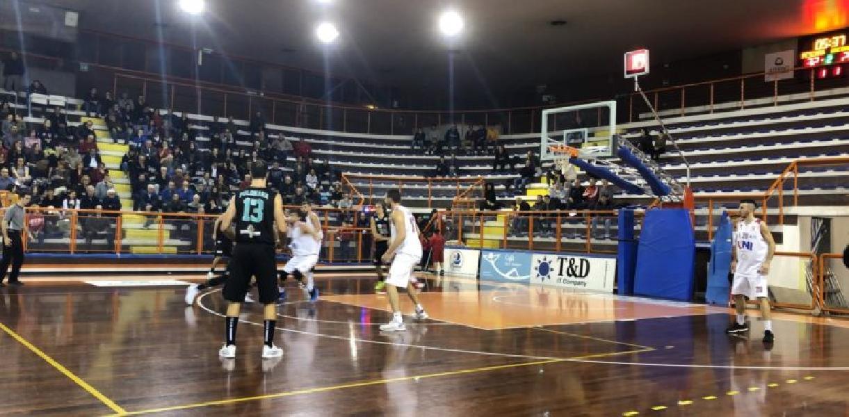 https://www.basketmarche.it/immagini_articoli/18-11-2018/luciana-mosconi-ancona-mani-vuote-trasferta-pescara-600.jpg