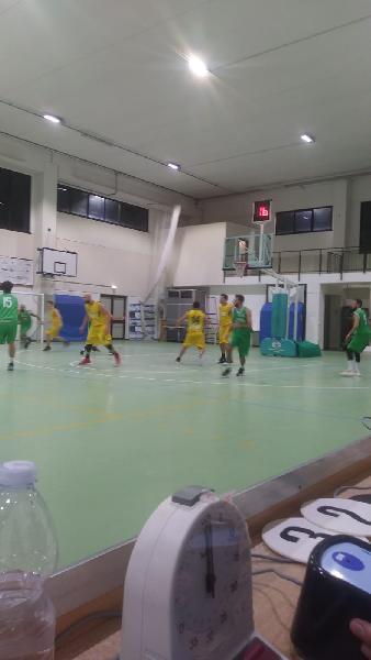 https://www.basketmarche.it/immagini_articoli/18-11-2018/netta-vittoria-fochi-pollenza-campo-victoria-fermo-600.jpg