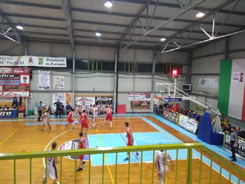 https://www.basketmarche.it/immagini_articoli/18-11-2018/settebello-vasto-basket-torre-passeri-espugnata-imbattibilit-confermata-600.jpg