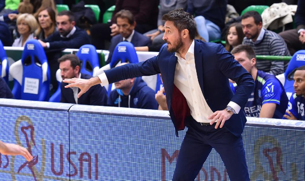 https://www.basketmarche.it/immagini_articoli/18-11-2019/dinamo-sassari-coach-pozzecco-holon-squadra-competitiva-importante-dettare-ritmo-600.jpg