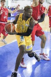 https://www.basketmarche.it/immagini_articoli/18-12-2017/serie-b-nazionale-nota-del-basket-recanati-in-merito-ai-fatti-della-gara-contro-san-severo-270.jpg