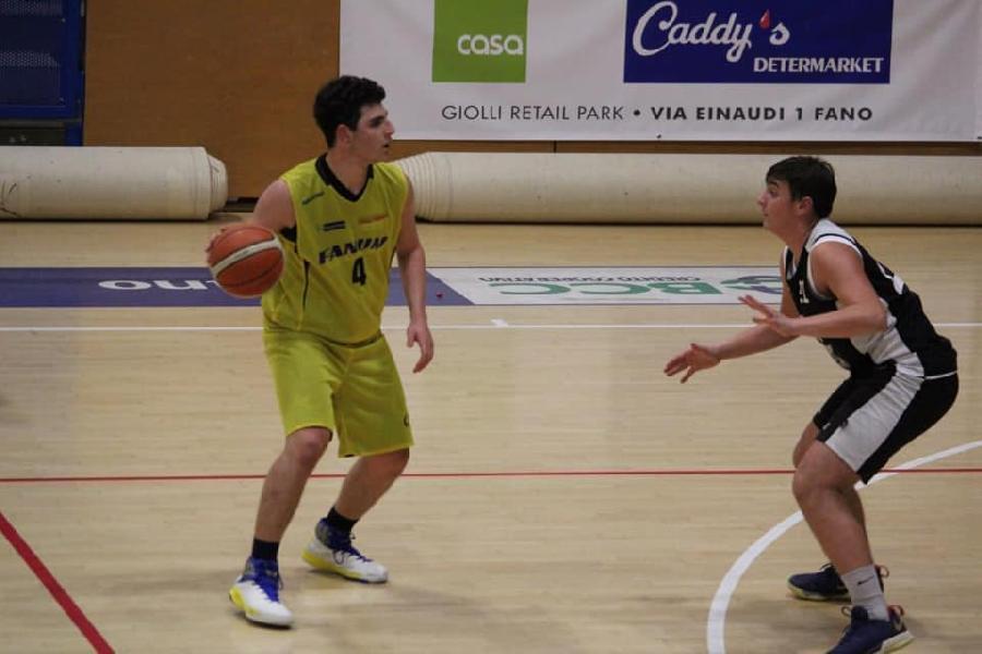 https://www.basketmarche.it/immagini_articoli/18-12-2018/under-silver-basket-fanum-espugna-volata-campo-delfino-pesaro-600.jpg