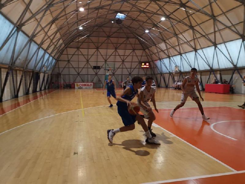 https://www.basketmarche.it/immagini_articoli/18-12-2019/under-gold-janus-fabriano-passa-campo-robur-family-osimo-600.jpg