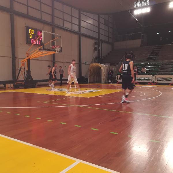 https://www.basketmarche.it/immagini_articoli/19-01-2020/basket-gubbio-espugna-campo-giromondo-spoleto-600.jpg