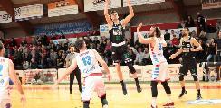 https://www.basketmarche.it/immagini_articoli/19-01-2020/campetto-ancona-mani-vuote-trasferta-ozzano-120.jpg