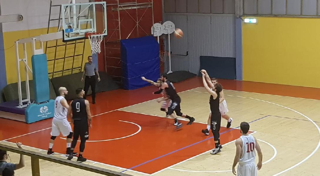 https://www.basketmarche.it/immagini_articoli/19-01-2020/pallacanestro-urbania-ferma-corsa-capolista-basket-todi-super-altieri-600.jpg