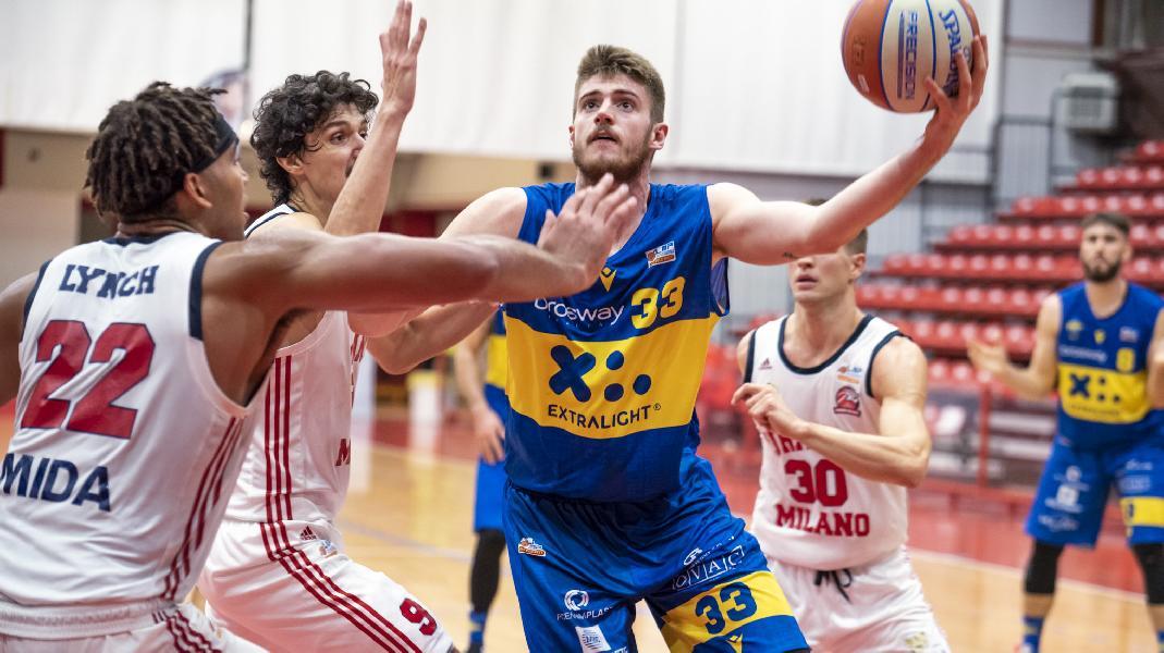 https://www.basketmarche.it/immagini_articoli/19-01-2020/poderosa-montegranaro-caccia-quinta-vittoria-consecutiva-urania-milano-600.jpg