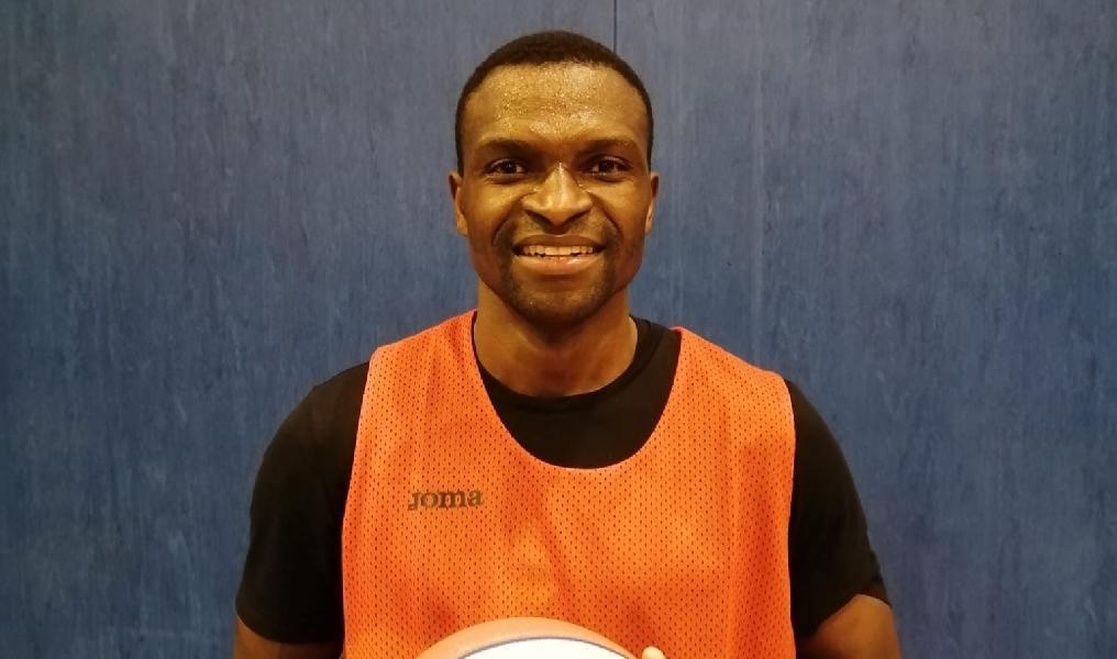 https://www.basketmarche.it/immagini_articoli/19-02-2021/ufficiale-ousmane-gueye-giocatore-virtus-pozzuoli-600.jpg
