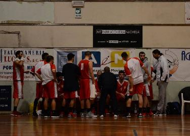 https://www.basketmarche.it/immagini_articoli/19-03-2018/d-regionale-troppo-basket-tolentino-il-basket-maceratese-cade-ancora-270.jpg