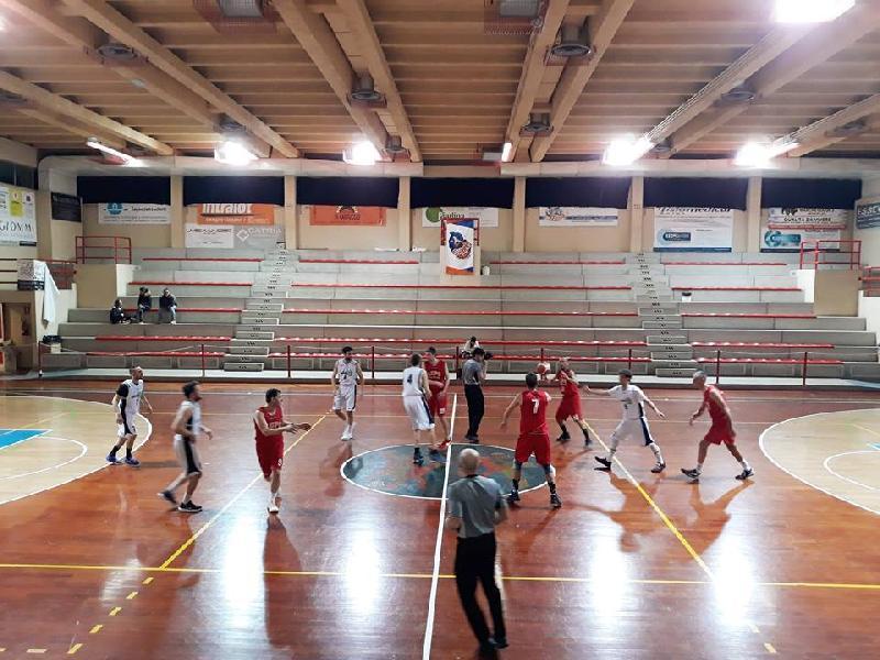 https://www.basketmarche.it/immagini_articoli/19-03-2019/marotta-basket-decimato-supera-fatica-lupo-pesaro-600.jpg