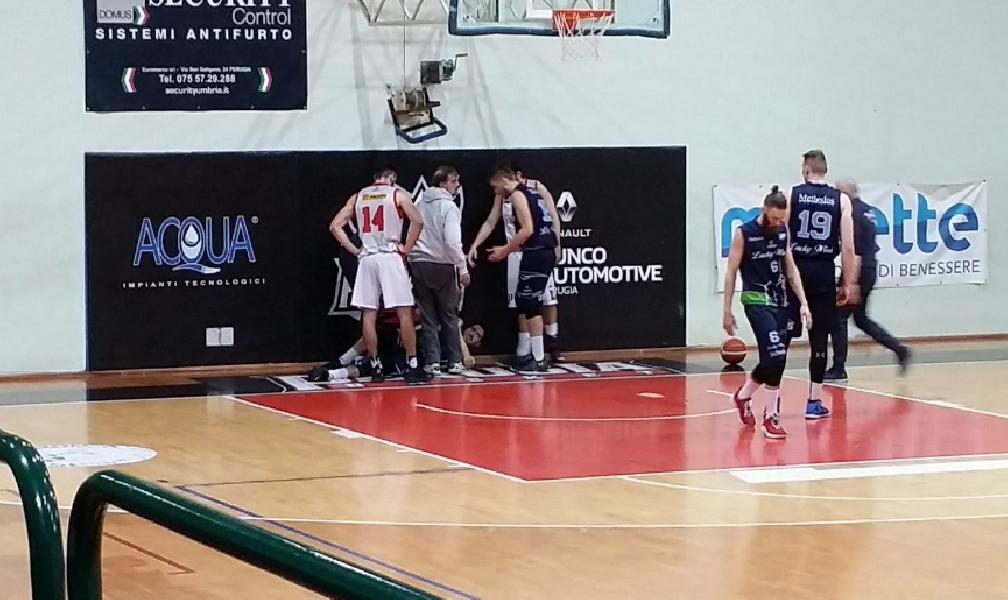 https://www.basketmarche.it/immagini_articoli/19-03-2019/tegola-basket-foligno-stagione-finita-andrea-presentazi-600.png