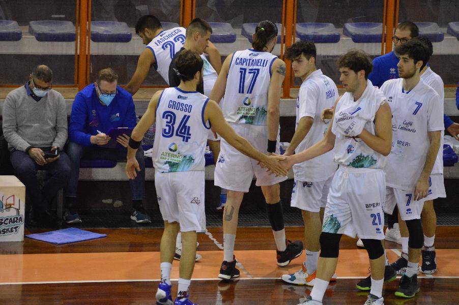 https://www.basketmarche.it/immagini_articoli/19-03-2021/pescara-basket-pronto-derby-coach-vanoncini-abbiamo-bisogno-passo-avanti-nostri-leader-600.jpg