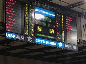 https://www.basketmarche.it/immagini_articoli/19-04-2018/d-regionale-playoff-gara-2-il-cab-stamura-ancona-espugna-jesi-e-conquista-la-bella-270.jpg