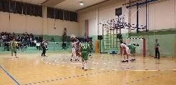 https://www.basketmarche.it/immagini_articoli/19-04-2019/playoff-fochi-pollenza-passano-campo-auximum-osimo-pareggiano-serie-120.jpg