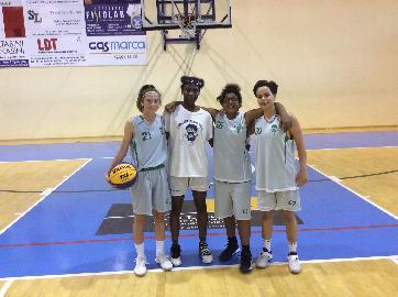 https://www.basketmarche.it/immagini_articoli/19-05-2018/under-16-femminile-il-porto-san-giorgio-basket-si-qualifica-alla-finale-nazionale-3vs3-270.jpg