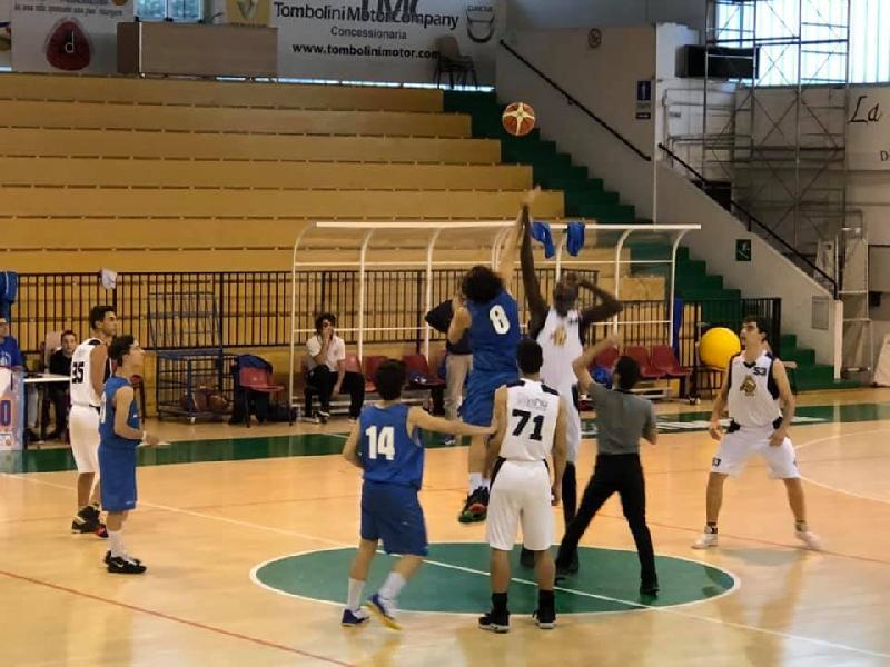 https://www.basketmarche.it/immagini_articoli/19-05-2019/interregionale-niente-fare-porto-sant-elpidio-basket-roma-600.jpg