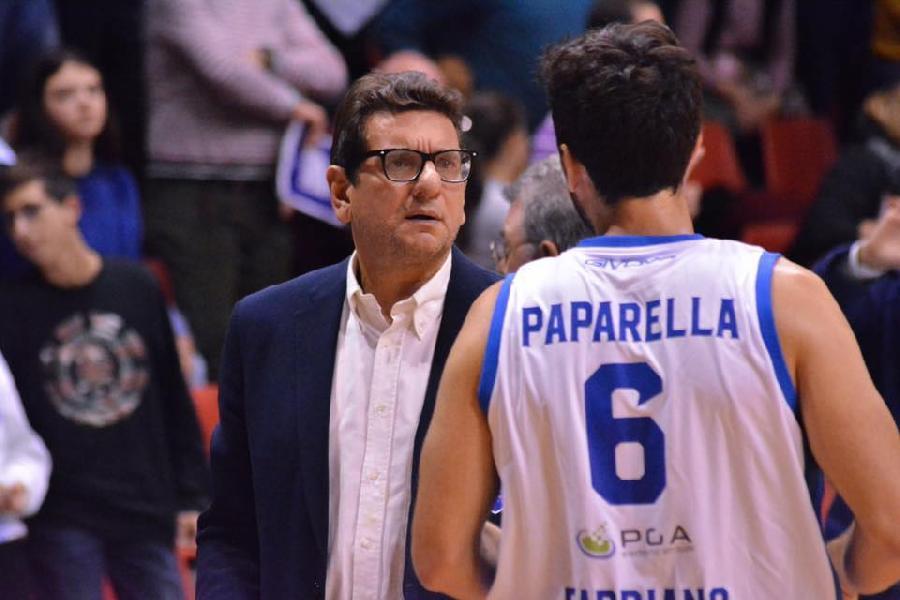 https://www.basketmarche.it/immagini_articoli/19-05-2019/separano-strade-janus-fabriano-coach-alessandro-fantozzi-600.jpg