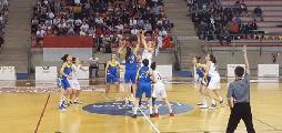 https://www.basketmarche.it/immagini_articoli/19-05-2019/serie-femminile-finale-brutto-basket-girls-ancona-cade-casa-ants-viterbo-120.jpg