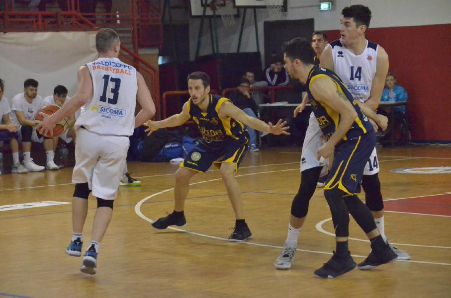 https://www.basketmarche.it/immagini_articoli/19-05-2019/serie-gold-finals-valdiceppo-basket-piega-volata-doma-sutor-montegranaro-600.jpg