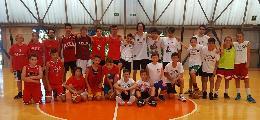 https://www.basketmarche.it/immagini_articoli/19-06-2018/giovanili-grande-festa-di-fine-stagione-per-la-robur-family-osimo-120.jpg