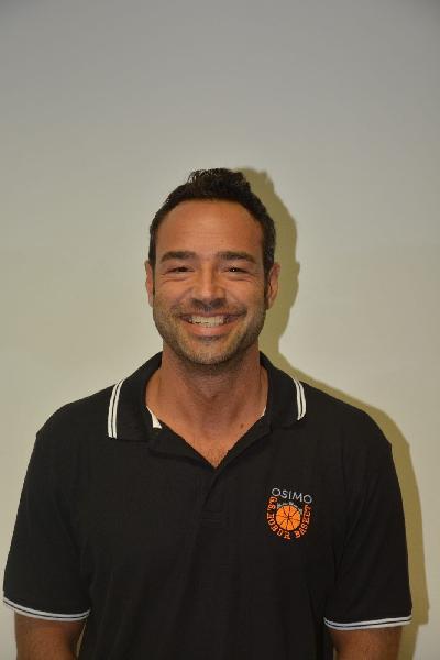 https://www.basketmarche.it/immagini_articoli/19-06-2019/ufficiale-leonardo-castracani-allenatore-robur-osimo-600.jpg
