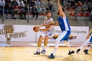 https://www.basketmarche.it/immagini_articoli/19-06-2019/ufficiale-luciana-mosconi-ancona-conferma-matteo-redolf-120.jpg