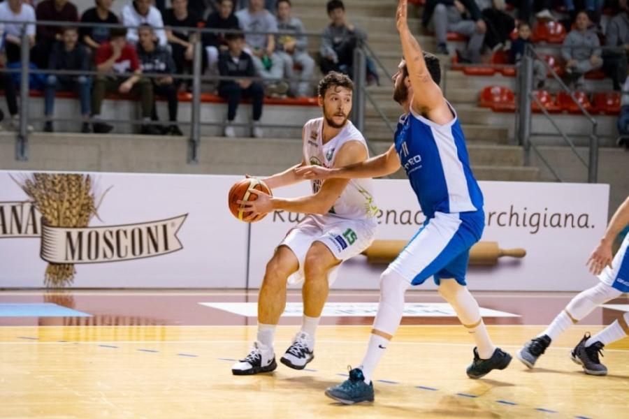 https://www.basketmarche.it/immagini_articoli/19-06-2019/ufficiale-luciana-mosconi-ancona-conferma-matteo-redolf-600.jpg