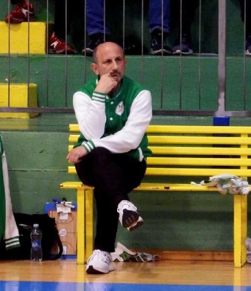 https://www.basketmarche.it/immagini_articoli/19-06-2019/ufficiale-magic-basket-chieti-coach-renato-castorina-avanti-ancora-insieme-600.jpg
