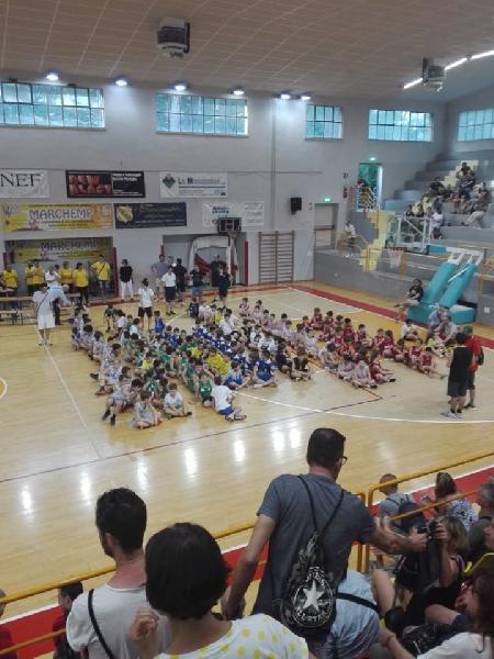 https://www.basketmarche.it/immagini_articoli/19-06-2019/virtus-porto-giorgio-bees-pesaro-robur-osimo-vincono-torneo-lega-filo-600.jpg