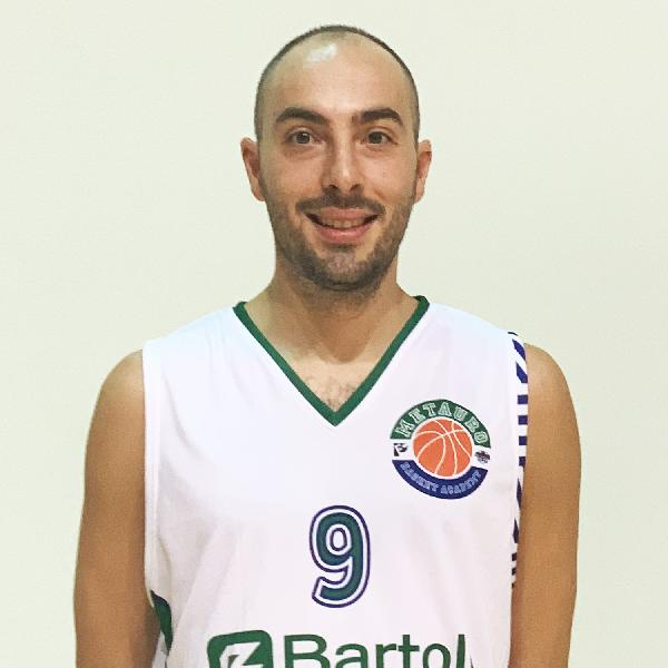 https://www.basketmarche.it/immagini_articoli/19-06-2021/bartoli-mechanics-jacopo-spadoni-prende-posto-riccardo-badioli-guida-prima-squadra-600.jpg