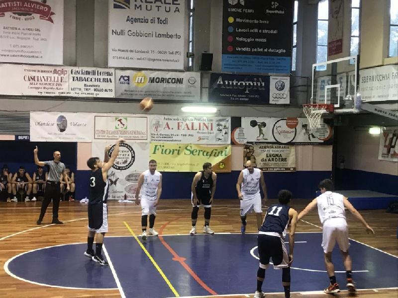 https://www.basketmarche.it/immagini_articoli/19-06-2021/convincente-vittoria-virtus-assisi-derby-campo-basket-todi-600.jpg