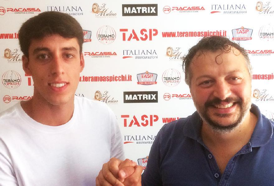 https://www.basketmarche.it/immagini_articoli/19-08-2019/colpo-mercato-teramo-spicchi-pineto-arriva-play-simone-scarnecchia-600.jpg
