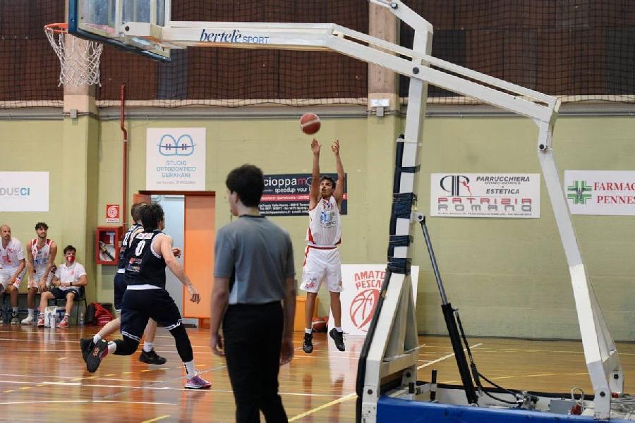 https://www.basketmarche.it/immagini_articoli/19-08-2021/amatori-pescara-anche-giovane-esterno-simone-pietrantoni-roster-2122-600.jpg
