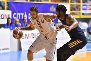 https://www.basketmarche.it/immagini_articoli/19-09-2019/olimpia-milano-prima-uscita-milanese-derby-palalido-urania-120.jpg