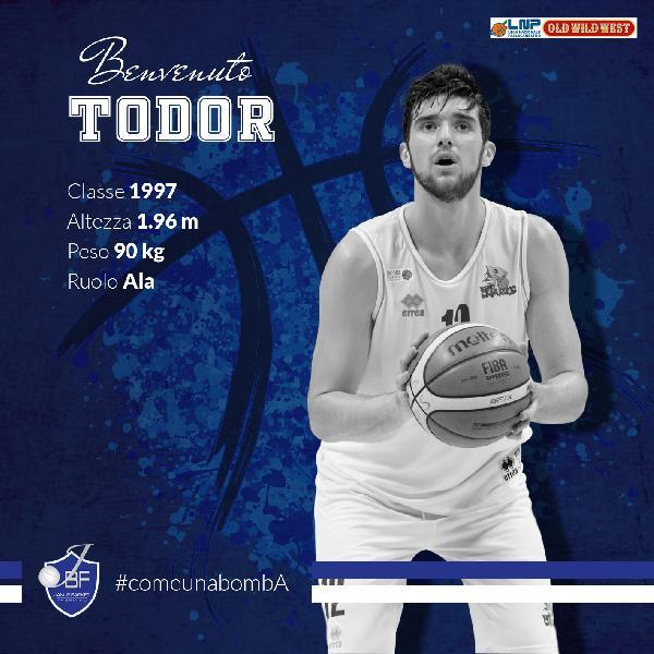https://www.basketmarche.it/immagini_articoli/19-09-2019/ufficiale-janus-fabriano-ultimo-tassello-roster-todor-radonjic-600.jpg