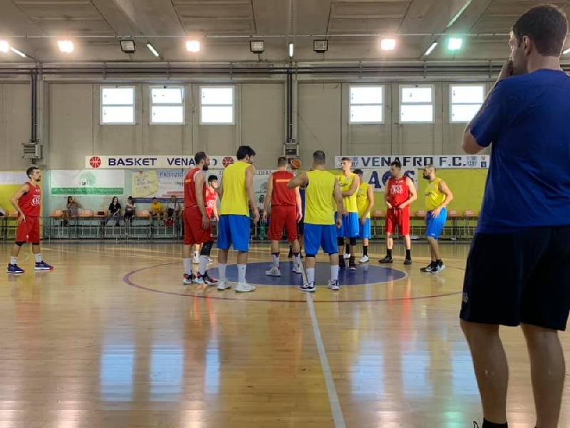 https://www.basketmarche.it/immagini_articoli/19-09-2019/vasto-basket-spunta-campo-venafro-basket-600.jpg