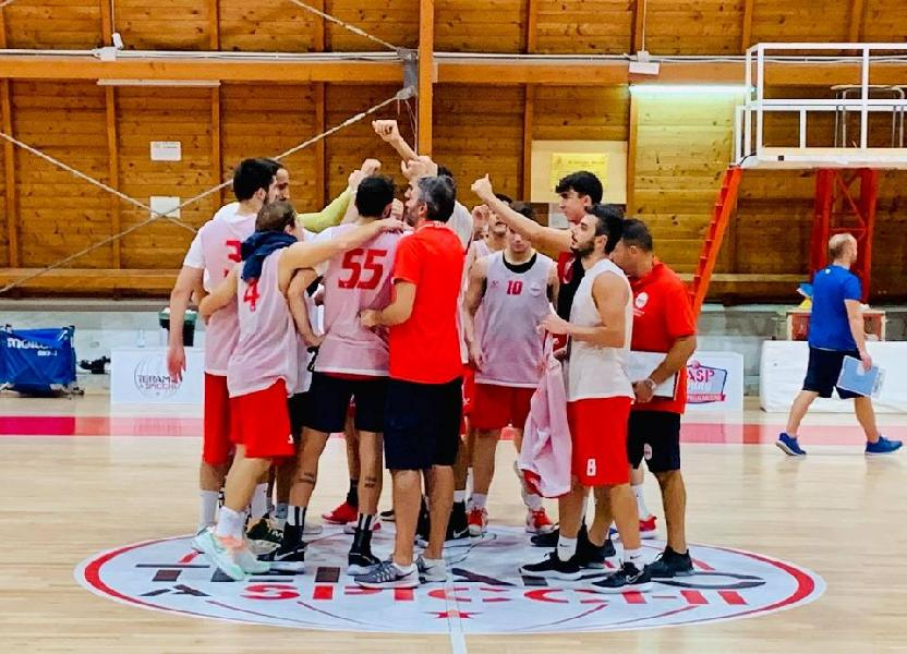 https://www.basketmarche.it/immagini_articoli/19-09-2020/pescara-basket-amichevole-campo-teramo-spicchi-600.jpg