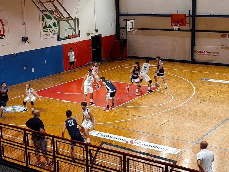 https://www.basketmarche.it/immagini_articoli/19-09-2021/buone-indicazioni-virtus-assisi-prima-amichevole-campo-valdiceppo-basket-600.jpg