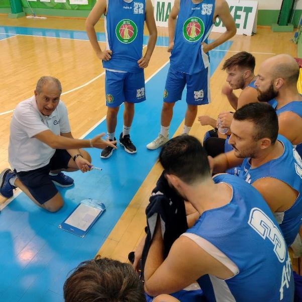 https://www.basketmarche.it/immagini_articoli/19-09-2021/doppia-sconfitta-termoli-chieti-atri-basket-torneo-preseason-600.jpg