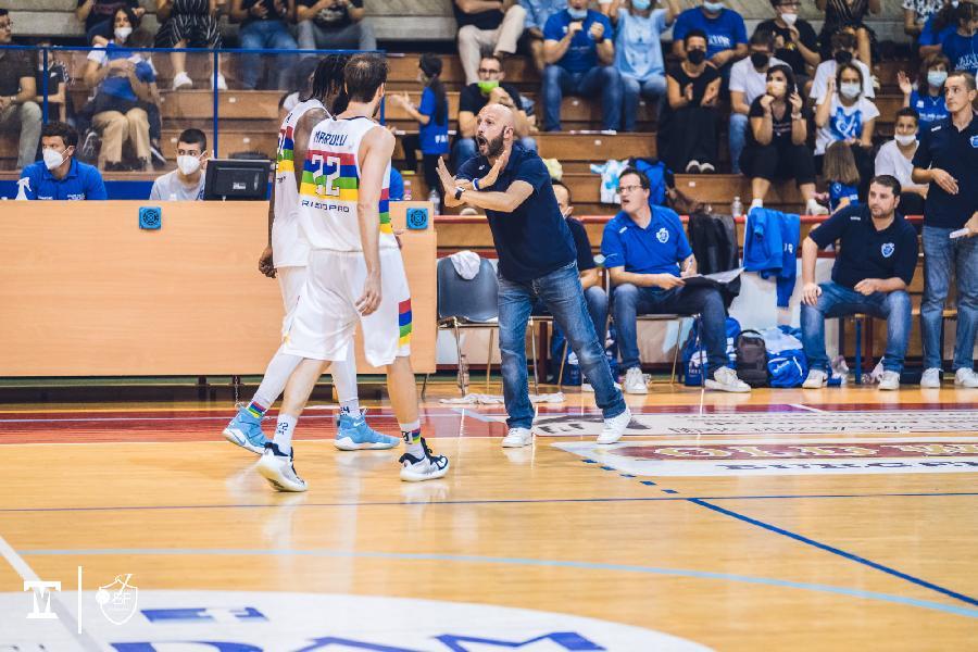 https://www.basketmarche.it/immagini_articoli/19-09-2021/janus-fabriano-coach-pansa-squadra-reagito-modo-positivo-questo-spirito-deve-essere-base-futuro-600.jpg