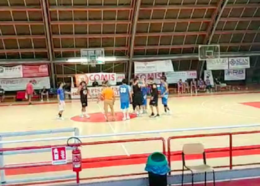 https://www.basketmarche.it/immagini_articoli/19-09-2021/pisaurum-pesaro-aggiudica-amichevole-montemarciano-600.png