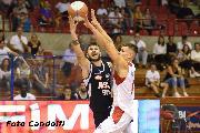 https://www.basketmarche.it/immagini_articoli/19-10-2019/aurora-jesi-attesa-campo-rimini-capitano-rinaldi-pederzini-ancora-120.jpg